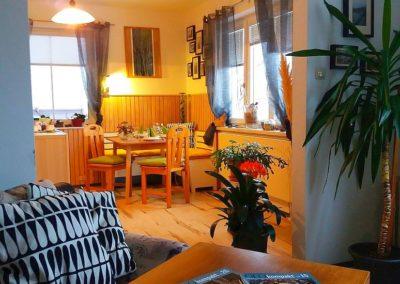 Küche von Wohnzimmer aus ab 400x284 - Appartement