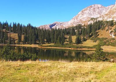 12 Sackwiesensee 400x284 - Hikes